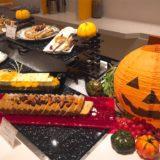 テーマはハロウィンパーティー!駅直結のデザートブッフェ『オリエンタルホテル東京ベイ』(10月末)