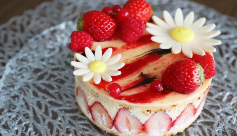 ひな祭りケーキ2021・期間限定フレジエのアントルメ『Avranches Guesnay(アヴラン・シュゲネー)』(2月)
