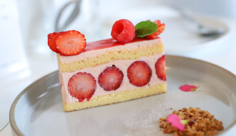 苺とバラのフレジエ目当てに目黒の中華韓国料理店へ『NOON(ヌーン)』(5月)